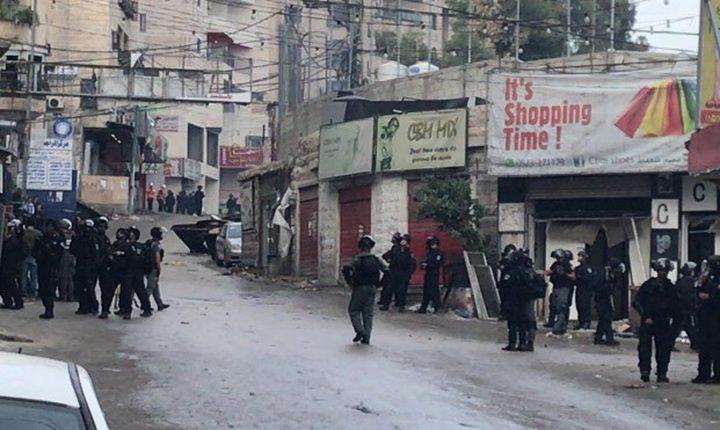 الاحتلال يقتحم شعفاط وينكل بالمواطنين
