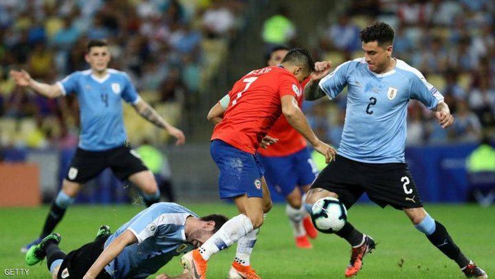 """الأوروغواي تتصدر وتنجو من """"فخ"""" كولومبيا"""