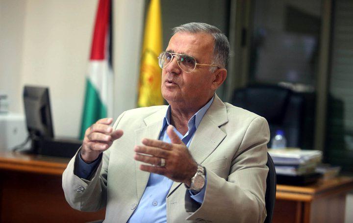 """مقبول : الرئيس عباس بصدد تنظيم مؤتمر رداً على """"المنامة"""""""
