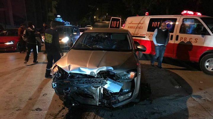 إصابة مواطنين جراء تصادم 3 مركبات جنوب جنين