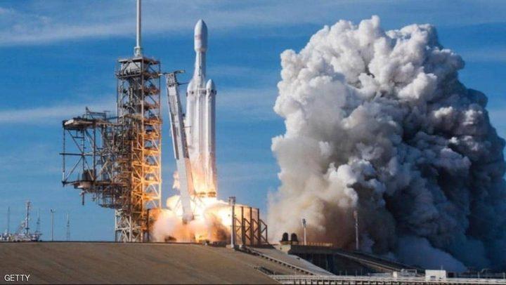 """""""سبيس إكس"""" تطلق الصاروخ الأضخم والمحمل بـ24 قمر صناعي"""