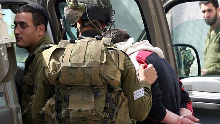 الاحتلال يعتقل شابا من مدينة طوباس