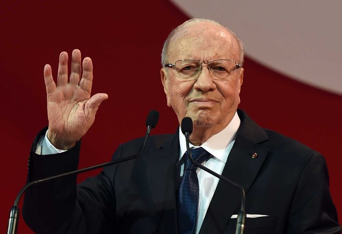 الرئاسة التونسية تنفي شائعات وفاة السبسي