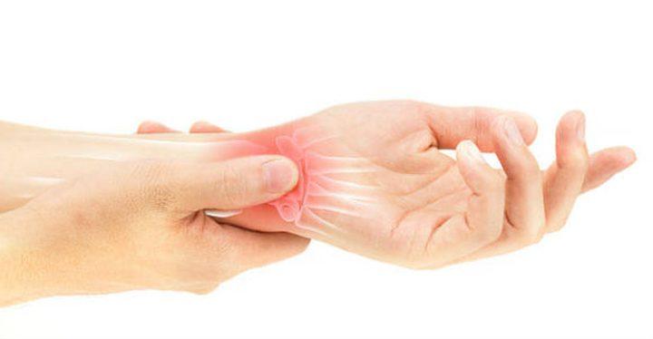ما هو الفرق بين التواء وكسر معصم اليد ؟