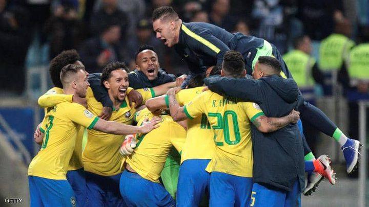 البرازيل تتأهل إلى نصف النهائي بشق الأنفس