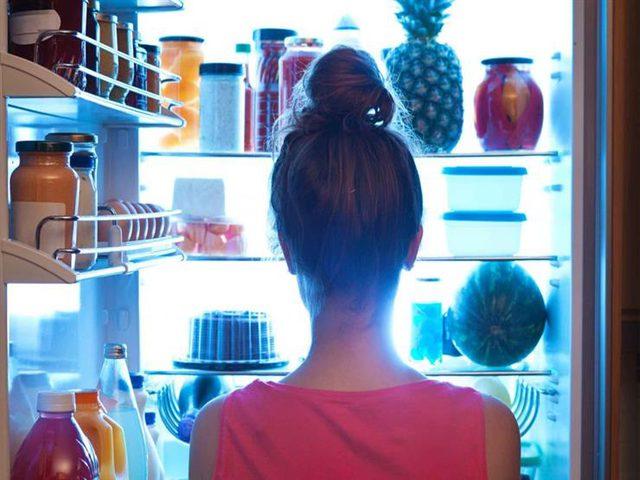 كيف تتوقف عن الأكل بشكل مفرط في الليل ؟