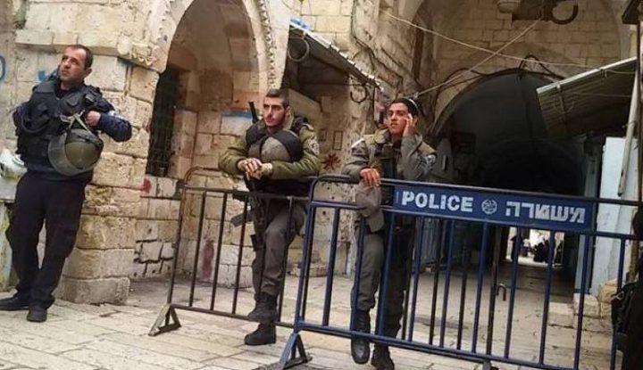 الاحتلال يفرج عن ناشط مقدسي بشرط تعسفي