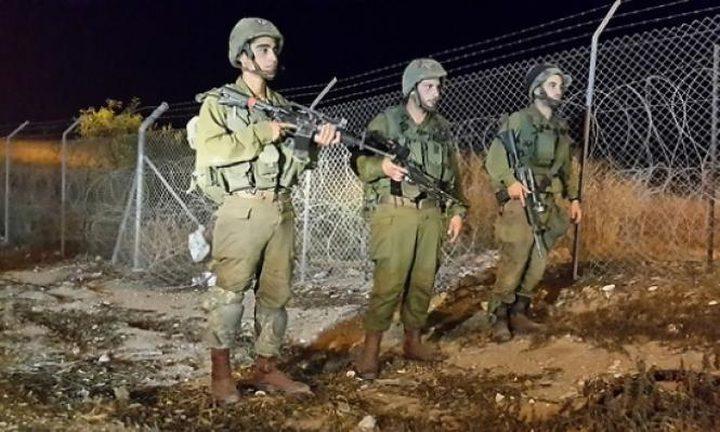 الاحتلال يعتقل 4 مواطنين على حدود قطاع غزة
