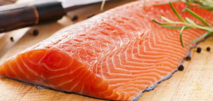 السلمون غذاء فعال للتخلص من التجاعيد