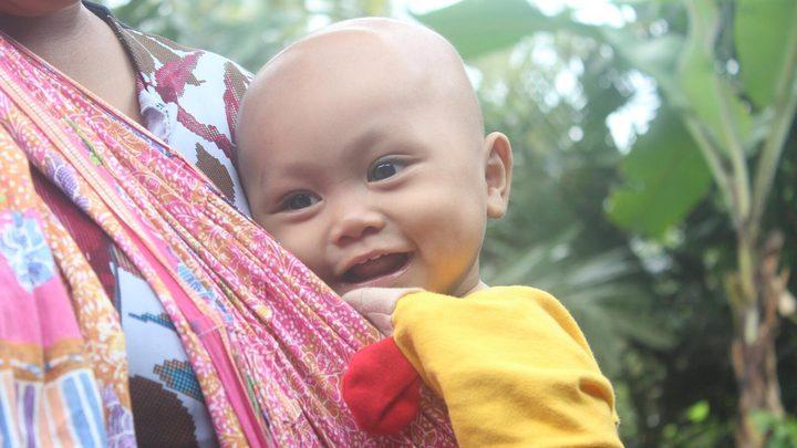 """عائلة اندونيسية تطلق على ابنها اسم """"جوجل"""""""