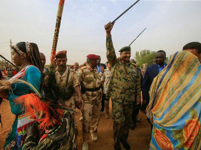 """السودان يستعد لـ""""مليونية"""" الأحد وسط مخاوف من العنف"""