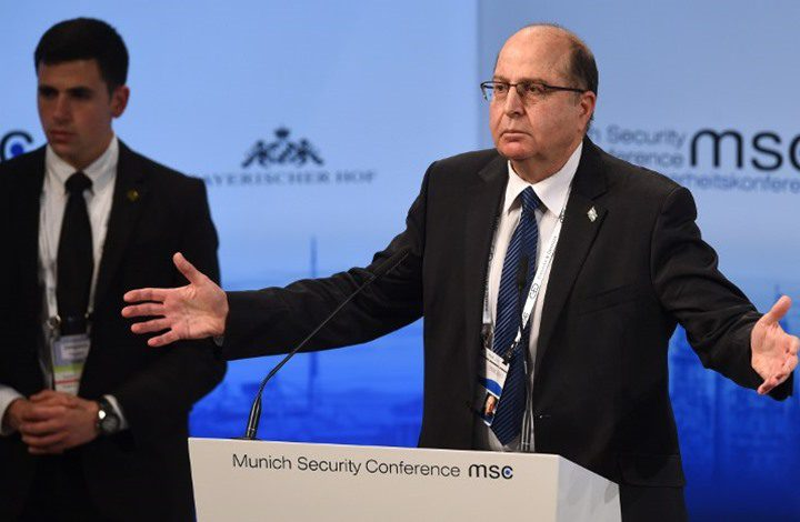 يعالون يشن هجوماً شرساً على نتنياهو ويصفه بالضعيف