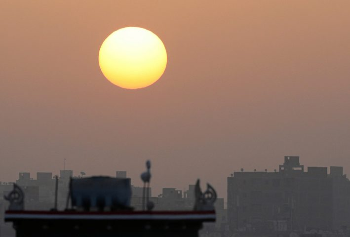 الأرصاد المصرية تحذر من مخاطر موجة حر كبيرة