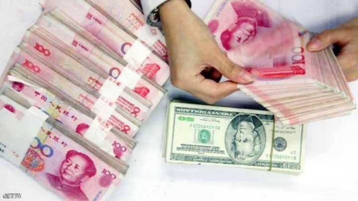 على حساب بقية العملات.. الدولار واليوان يرتفعان