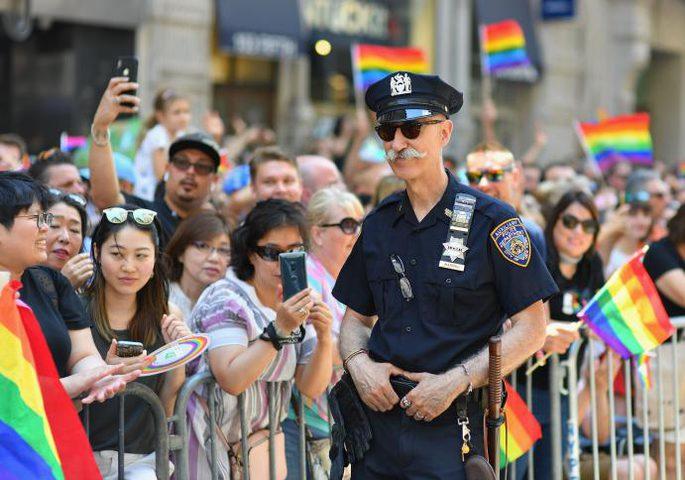 مسيرة للمثليين في نيويورك تشهد حضورا كبيرا