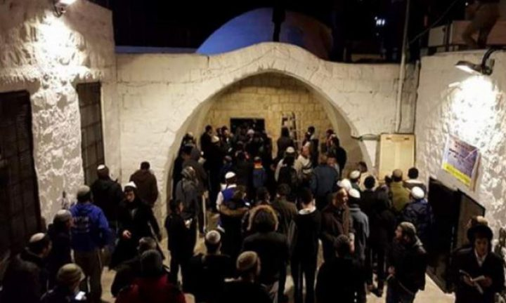 مستوطنون بحماية من قوات الاحتلال يقتحمون المنطقة الشرقية من نابلس