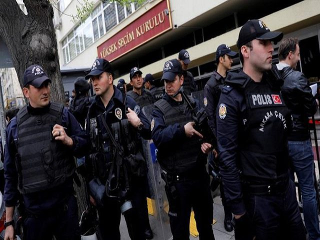 تركيا: اعتقال أتراك حرضوا ضد سوريين بمواقع التواصل الاجتماعي