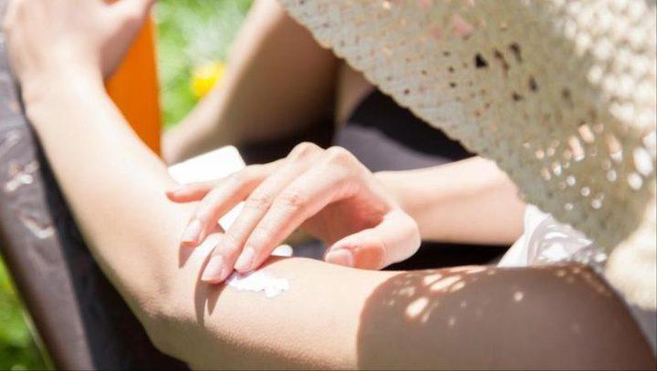 نصائح لحماية بشرتك من أشعة الشمس