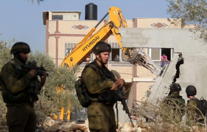 الاحتلال يسلم اخطارات هدم شمال نابلس