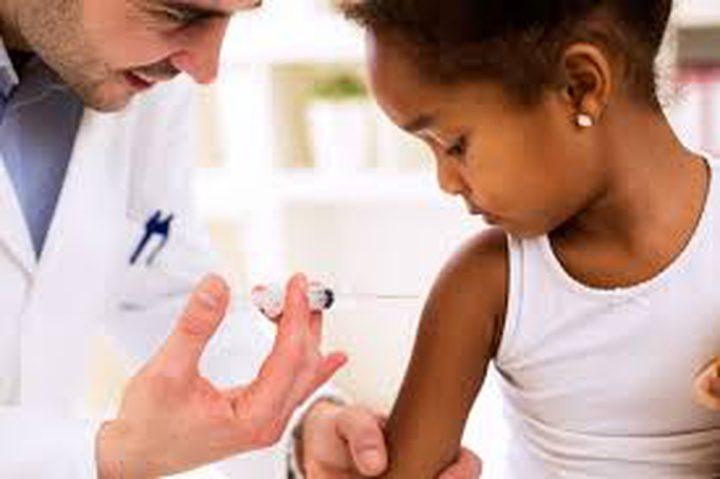 باحثون: يجب على مواقع التواصل الاجتماعي منع المحتوى ضد اللقاحات