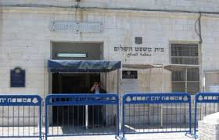 الاحتلال يمدد اعتقال 12 مقدسيا من حي جبل الزيتون