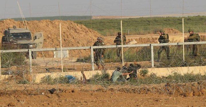 شبان يجتازون السياج شرق غزة ويخربون معدات لقوات الاحتلال