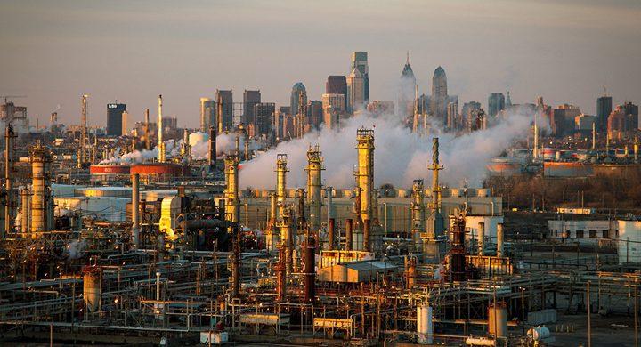 النفط يرتفع مع صعود الأسهم الأمريكية وانخفاض عدد آلات الحفر