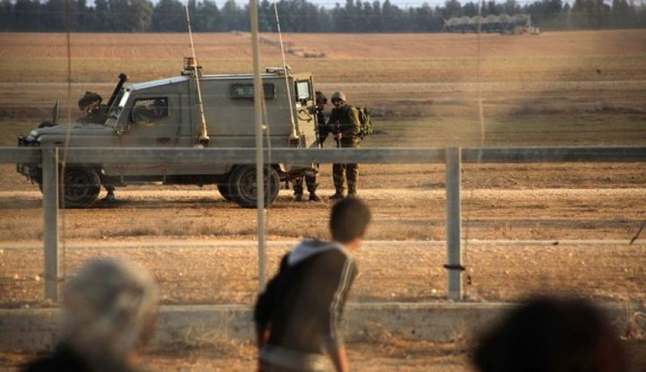 الاحتلال يعتقل مواطنا من شمال غزة