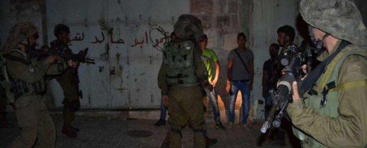 الاحتلال يسلم ثلاثة مواطنين من السيلة الحارثية