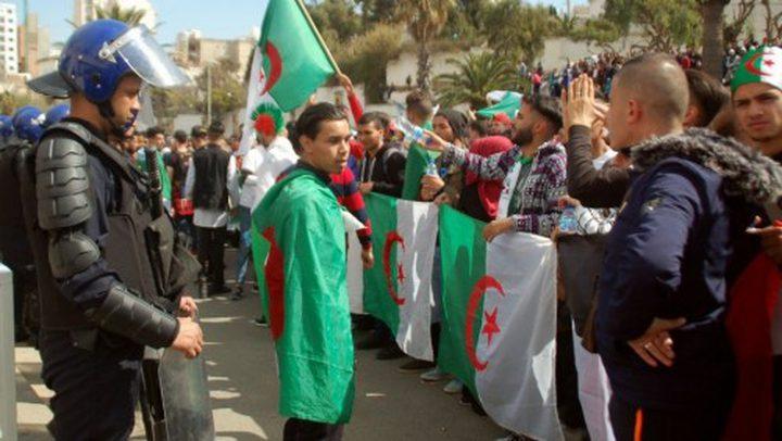 المعارضة الجزائرية: لا حوارَ قبل الإفراج عن المتظاهرين