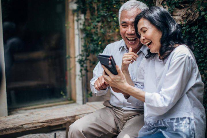 مواقع التواصل تحسن الصحة النفسية لكبار السن!