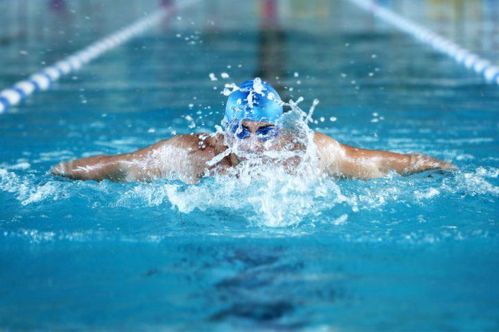 كيف يتم حرق السعرات الحرارية عن طريق السباحة ؟