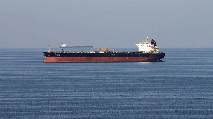 طهران تلوح بفرض رسوم لعبور السفن مضيق هرمز