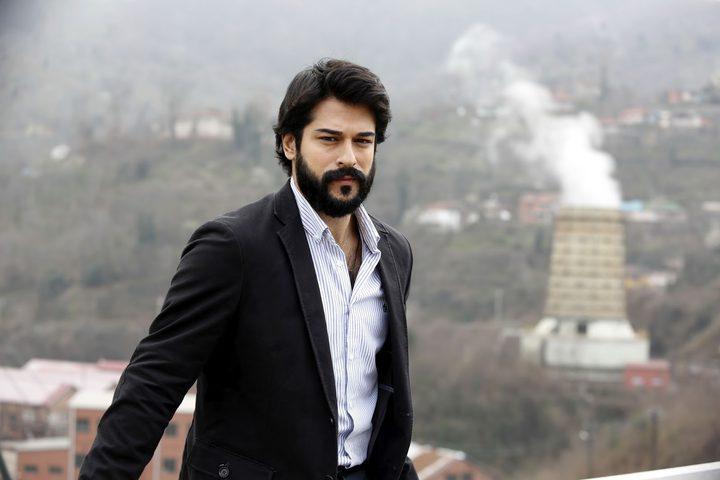 بعد حادث التدافع في لبنان.. بوراك يوجه رسالة لمحبيه