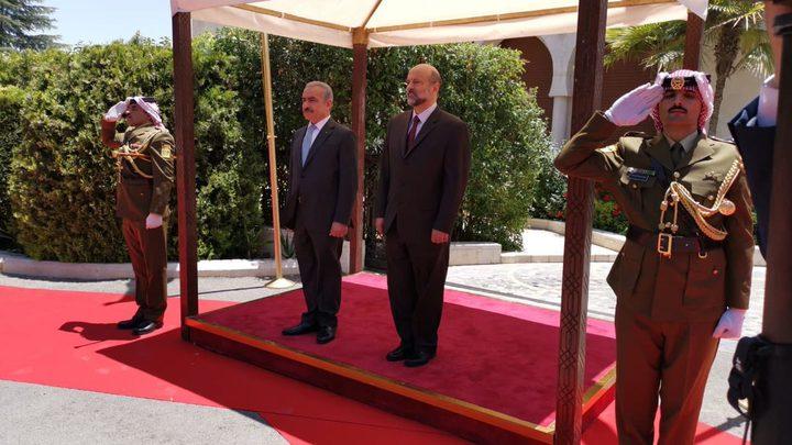 غانم: أخذنا الموافقة على الشروع بإنشاء منطقة لوجستية مع الأردن