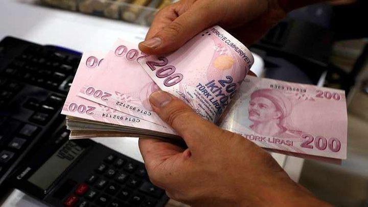 الليرة التركية تهوي إثر إقالة اردوغان محافظ البنك المركزي
