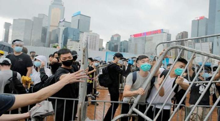 اعتقال محتجين على مشروع قانون تسليم المتهمين للصين