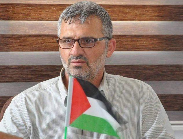نصار: حماس قطعت راتبي لتوقيفي عن انتقادها