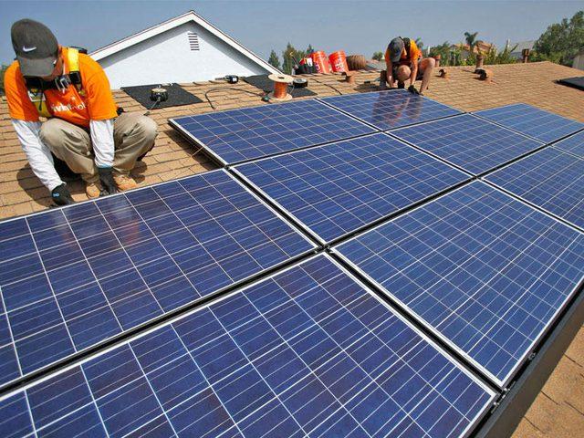 إطلاق المرحلة الأولى لتوليد الكهرباء من الطاقة الشمسية