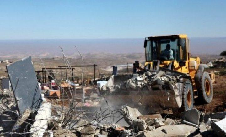 الاحتلال يهدم منزلا في خربة بيروق جنوب الخليل