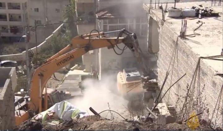 الاحتلال يهدم اساسات واعمدة اسمنتية شرق القدس