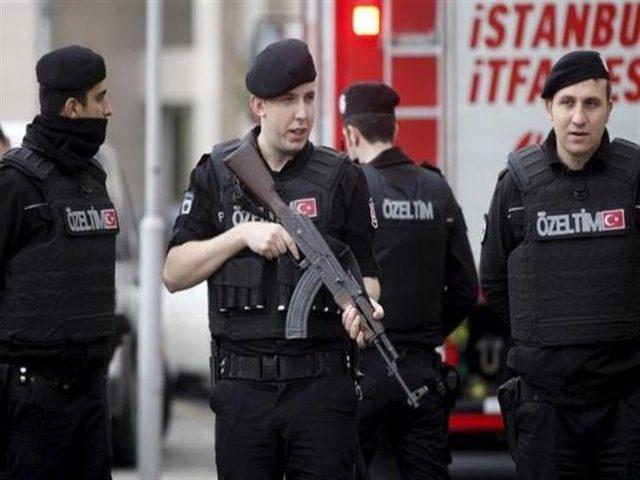 تركيا.. إيقاف 55 شخصا بتهمة تهريب البشر