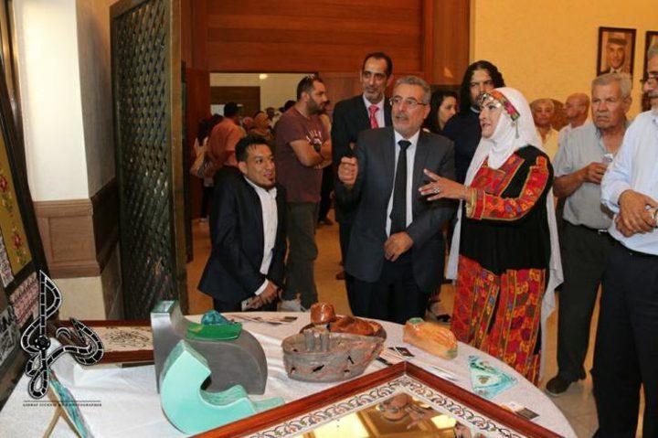 """""""حكاية فن"""" معرض تراثي فلسطيني في عمّان"""