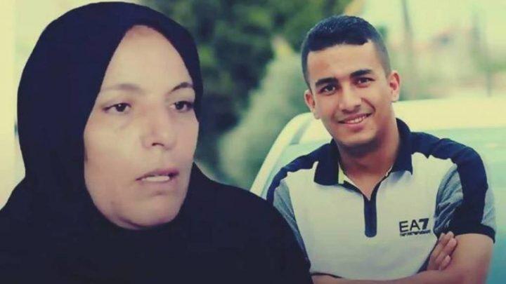 الاحتلال يمنع شقيقة الشهيد نعالوة من زيارة والدتها