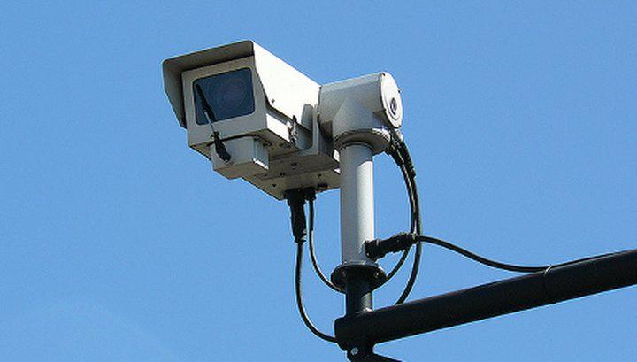 تركيب كاميرات مراقبة في جبل المكبر شرق القدس
