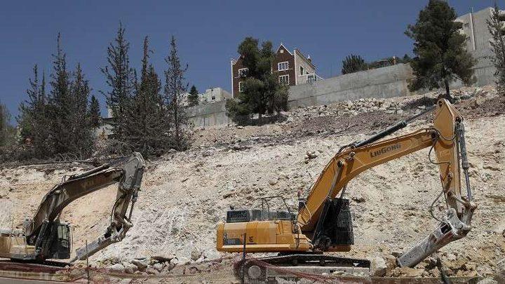 الاحتلال يخطر بهدم منزل في إذنا غرب الخليل