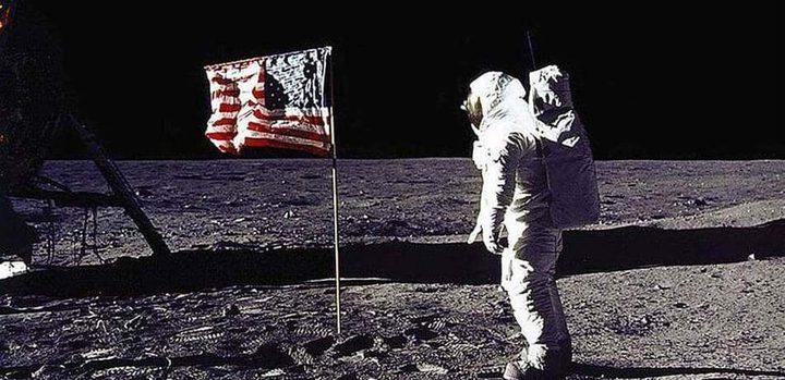 """هل لوثت """"أبولو 11"""" الأرض بـ""""جراثيم القمر""""؟"""