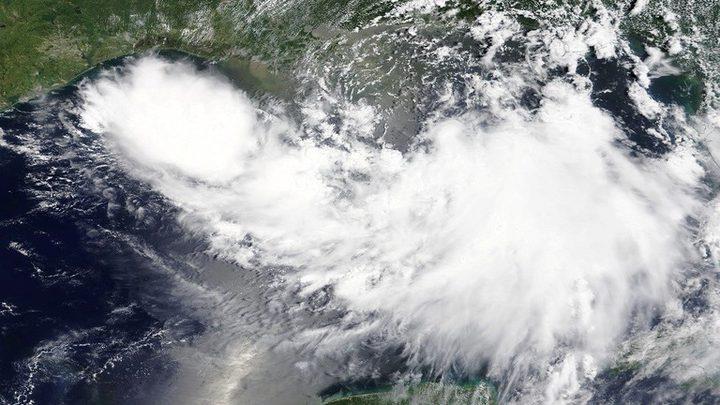أمريكا.. إعلان حالة الطوارئ مع اقتراب عاصفة استوائية