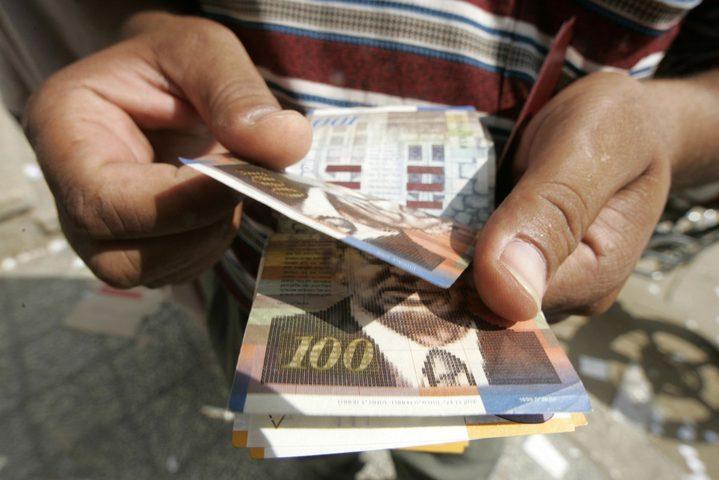 انخفاض سعر صرف الدولار مقابل الشيكل اليوم