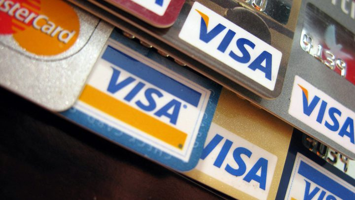 """مشروع قانون روسي قد يمنع استخدام بطاقات """"الفيزا"""" و""""ماستر كارد"""""""